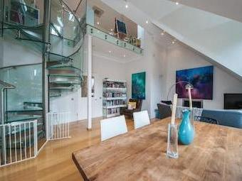 Rosslyn Hill Nw3 - Penthouse, Lift
