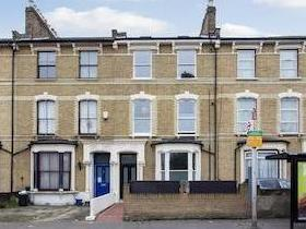 Brooke Road N16 - Double Bedroom