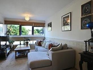 Fairlea Place W5 - Double Bedroom