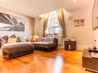 Flat to let, Brook Road Nw2 - Modern