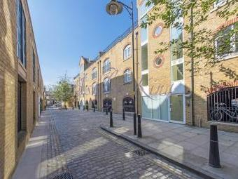 Cold Harbour E14 - Leasehold, Patio