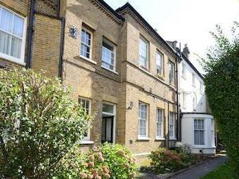 St. Marys Road W5 - Garden, Freehold