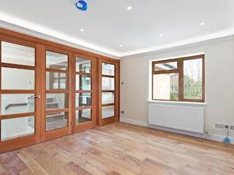 Pennine Drive Nw2 - Semi-Detached