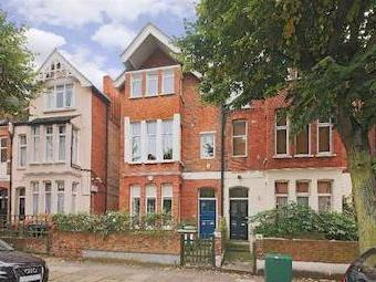 Flat to let, Dean Road Nw2 - Garden