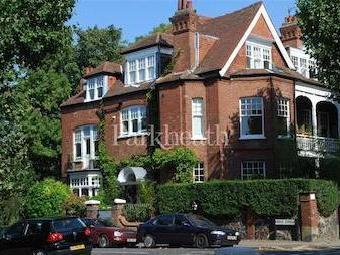 Queens Avenue, Muswell Hill N10