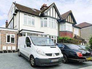 Station Road, Hendon Nw4 - Patio