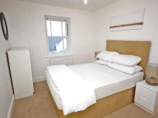 Holford Way Sw15 - Furnished, Balcony
