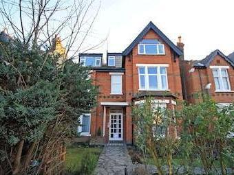 Madeley Road W5 - High Ceilings