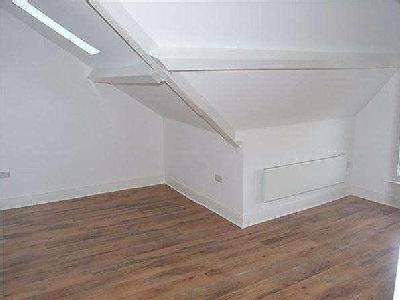 Flat to rent, St James Court