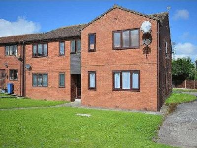 Flat for sale, The Conifers - Modern