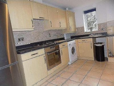 Flat to let, Mackley Close