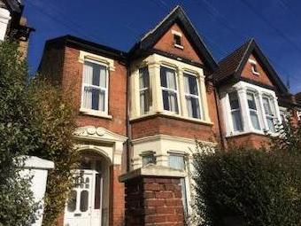 First Floor Flat, Boscombe Road, Southend-on-sea Ss2