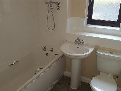 Flat for sale, Cygnet Court