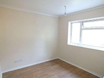 Flat for sale, Cheswood Drive