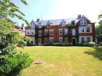 Apple Grove House, Belmont Crescent, Old Town, Wiltshire Sn1