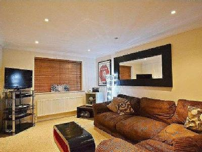 Woodfield Road, Thames Ditton, Kt7