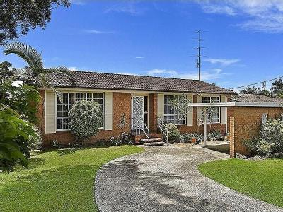 Audie Parade, Berkeley Vale - Garden
