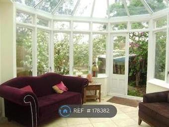 Manor Road, Romford Rm1 - Furnished