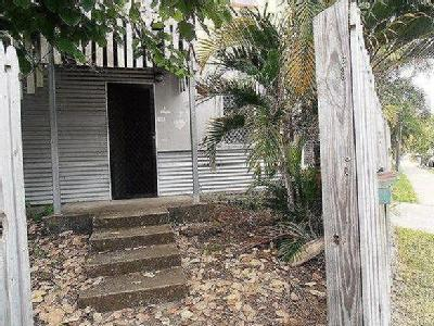 Plume Street, South Townsville