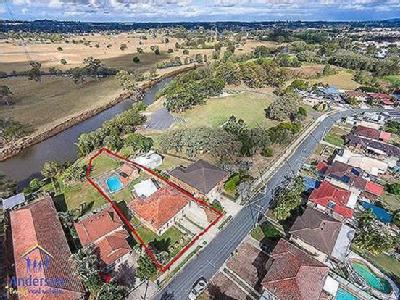 House to buy Strathpine - Near River