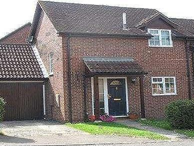Paterson Close, Basingstoke, Hampshire, Rg22