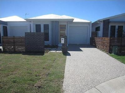 Masthead Avenue, Burdell - Patio