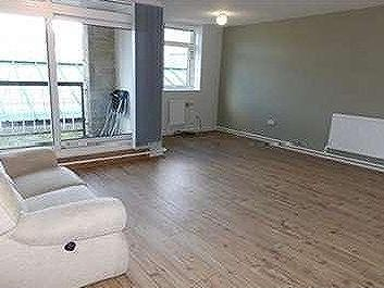 Swan Place, Colne, Bb8 - Refurbished