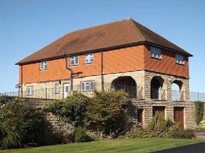 5 bedroom house to let - Garden