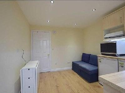 flat to let - Furnished
