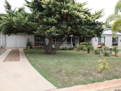 McDougall Close, Charters Towers