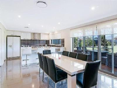 House to buy Pitt Town - Near River