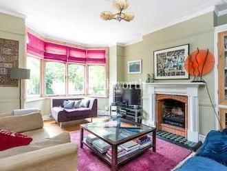 Cannon Road N14 - Fireplace, Patio
