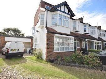 House for sale, Meadway Sw20 - Patio
