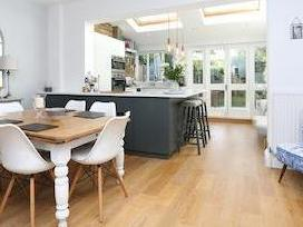 Riverview Grove, Chiswick W4 - Garden