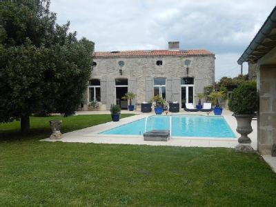 Maisons chaban chauray villas vendre chaban for Piscine chauray