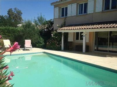 Les eyquems maison en vente for Piscine merignac