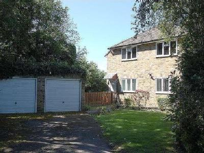 Albion Crescent, Chalfont St. Giles, Hp8