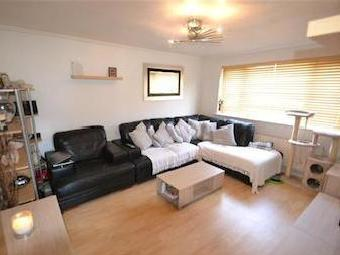 Peninsular Close, Feltham Tw14
