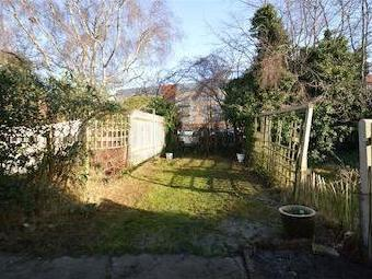 Vincent Gardens Nw2 - Freehold