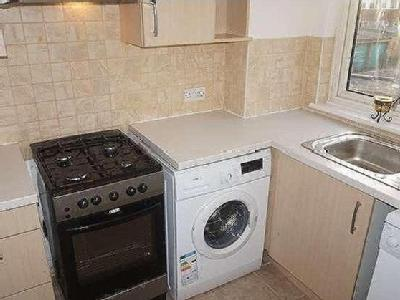 House to let, Leyland Road