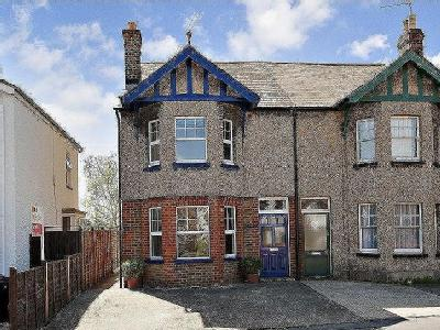 House to let, Gore Road - Refurbished