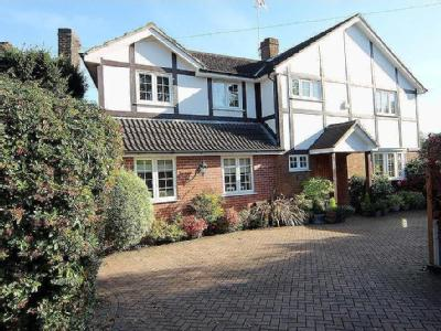 Maytree Lane, Stanmore, Ha7 - Patio