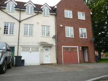 Bernhart Close, Edgware, Ha8 - Garden