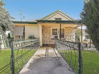 Adelaide Road, Gawler South - Cottage