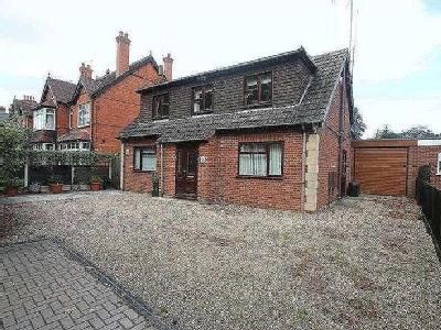 Property for sale, Kings Road - Lift