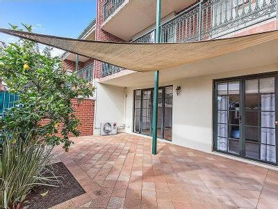 Banksia Terrace, South Perth - Garden