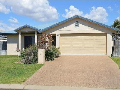 The Close, Idalia - Balcony, Garden