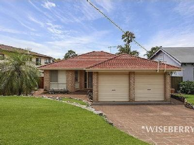 House to buy Berkeley Vale - Air Con