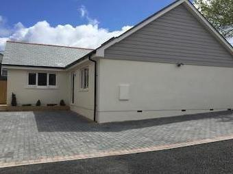 Hallaze Road, Penwithick, St. Austell Pl26