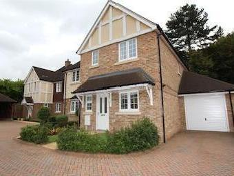 Acorn Close, Banstead Sm7 - Modern